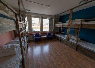 8-bädds rum